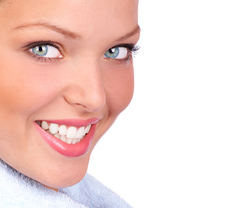 Dr. Edward Fritz Porcelain Veneers Dentist in the Mesa area who provides veneers