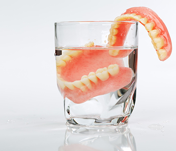Dr. Edward Fritz Dentures Dentist in Mesa offers Dentures in a day